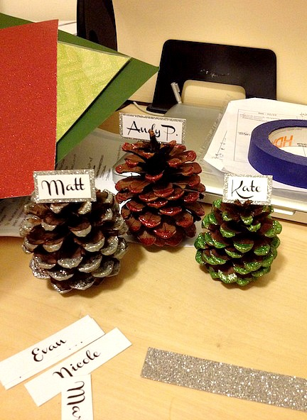 Glitter Dipped PInecone Place Cards